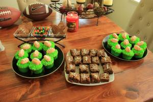 Football brownies and cupcakes
